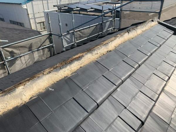 屋根工事 棟掃除