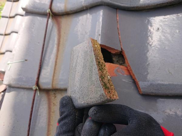 屋根補修工事 瓦の割れ