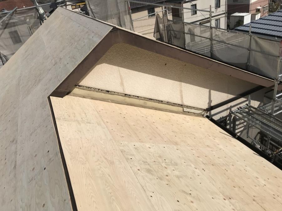 屋根葺き替え工事 コンパネ張り