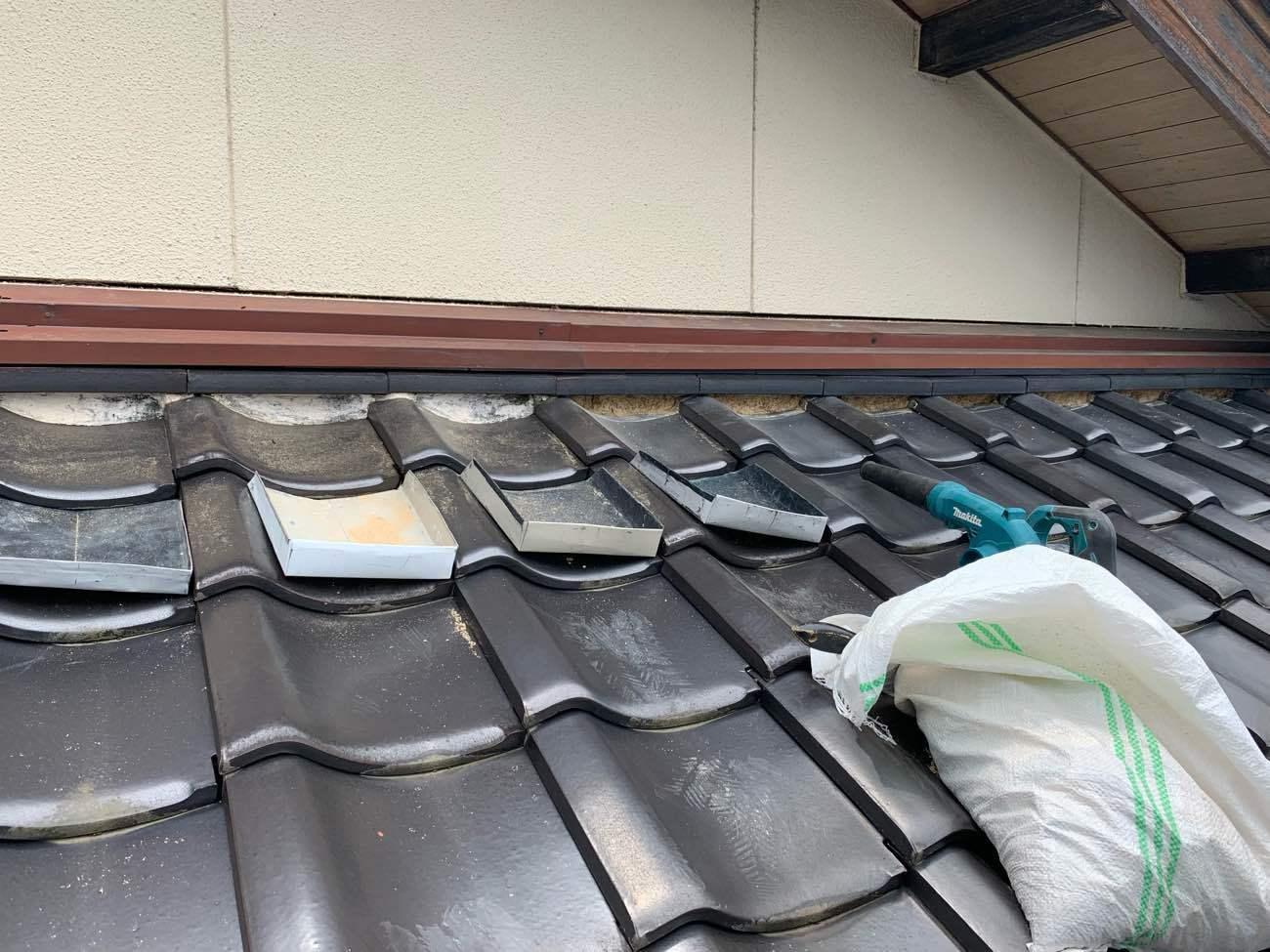 扶桑町で劣化して剥がれた瓦屋根の漆喰の補修工事をしました