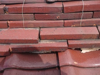 瓦屋根 棟の不具合 漆喰の劣化