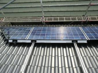 太陽光パネル設置工事 パネル取付