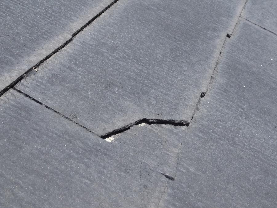 スレート屋根の経年劣化 釘浮きや褪色