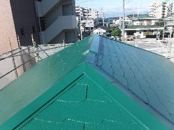 犬山市でカラーベスト屋根の塗装と合わせて棟板金の交換をしました