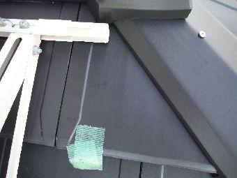 差し替え依頼の瓦テープで印付き