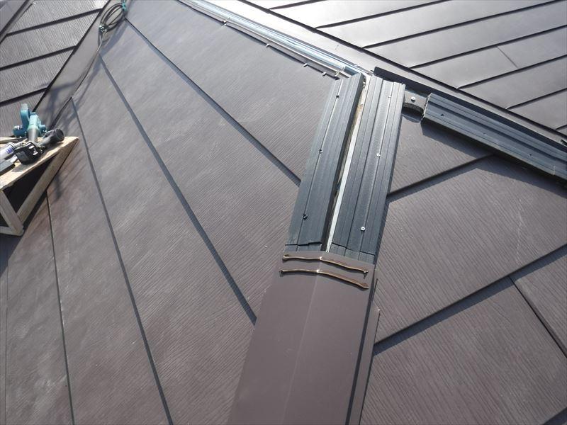 屋根 重ね葺き カバー工法 金属屋根