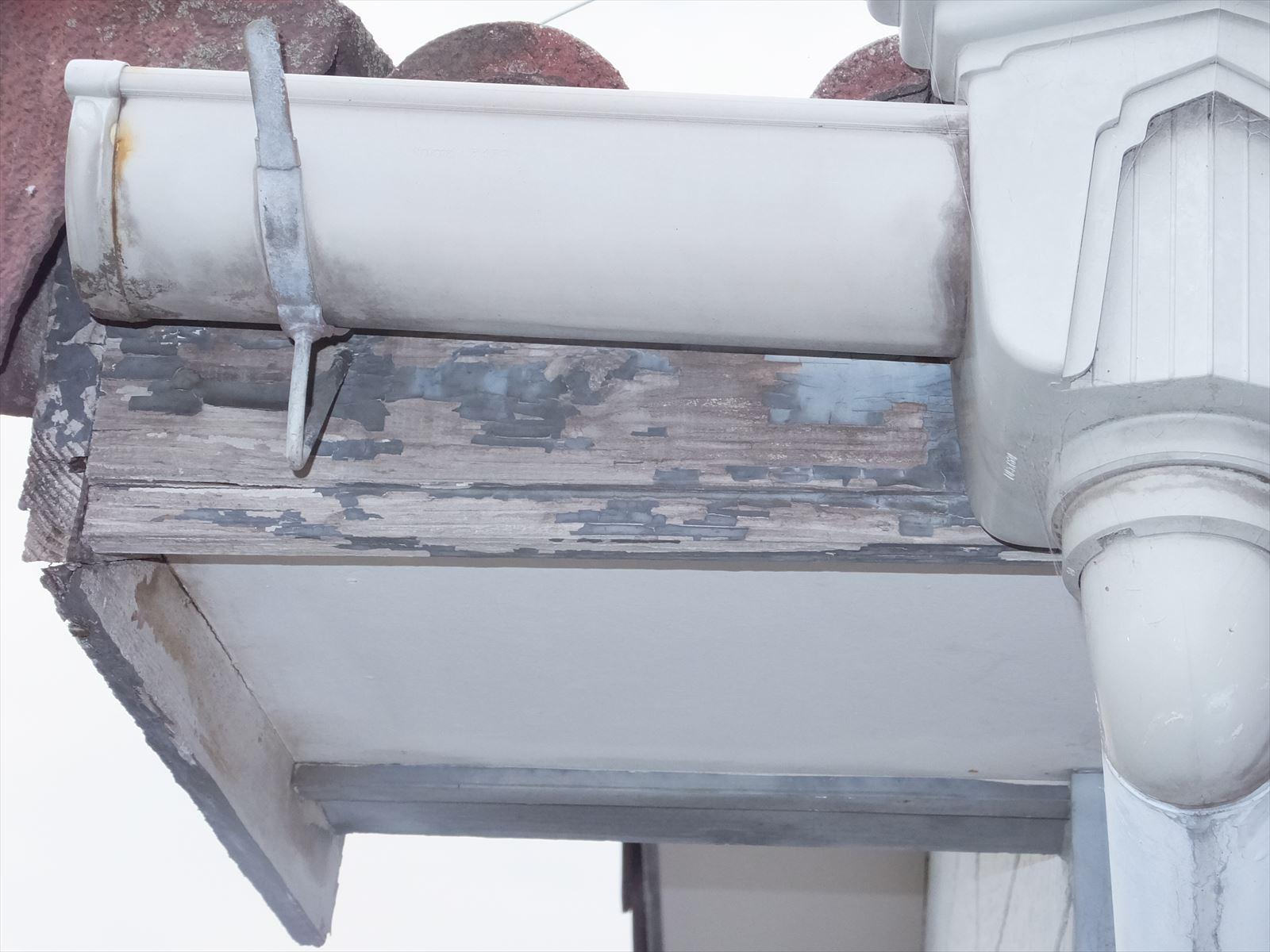 雨樋の劣化 塗装か交換が必要