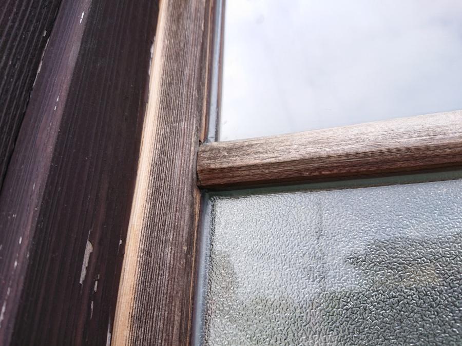 木製サッシからの雨漏り