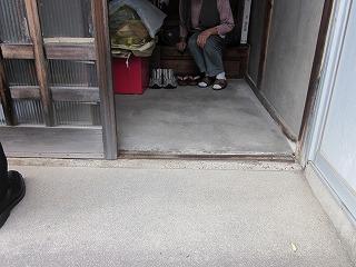 後藤様邸玄関引戸レール