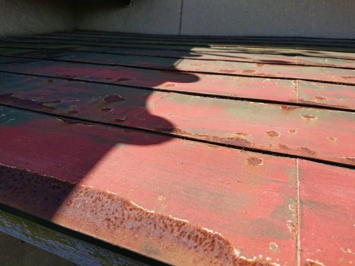 玄関上屋根 雨染み