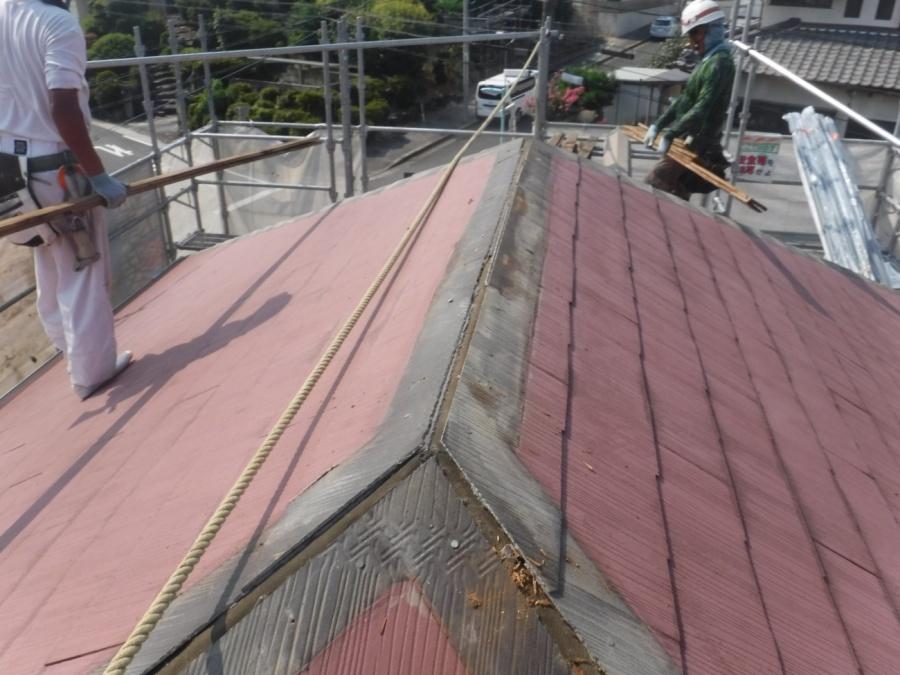 名古屋市名東区で軽量で長い耐久性が期待できる材料でで重ね葺き工事(カバー工法)
