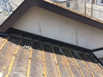 屋根葺き替え工事 既存屋根材撤去