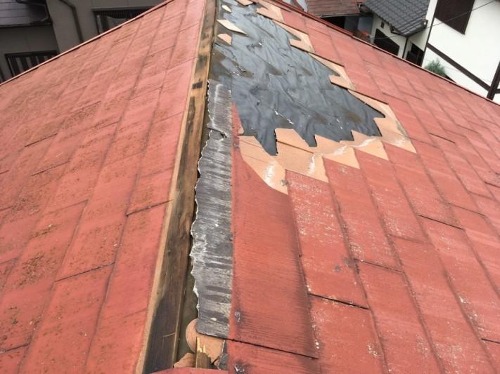 スレート屋根のめくれ