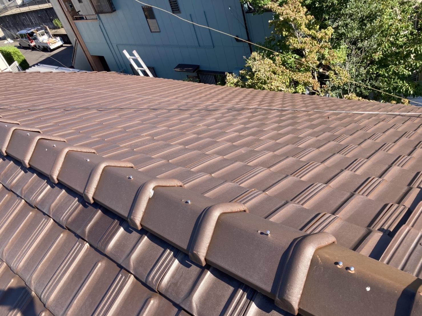 割れも抜けもないとてもきれいな屋根でした