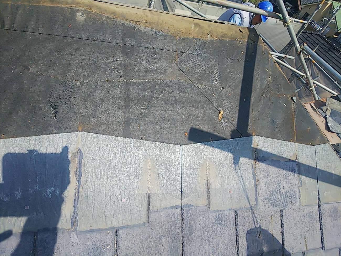 そして既設屋根材を撤去します