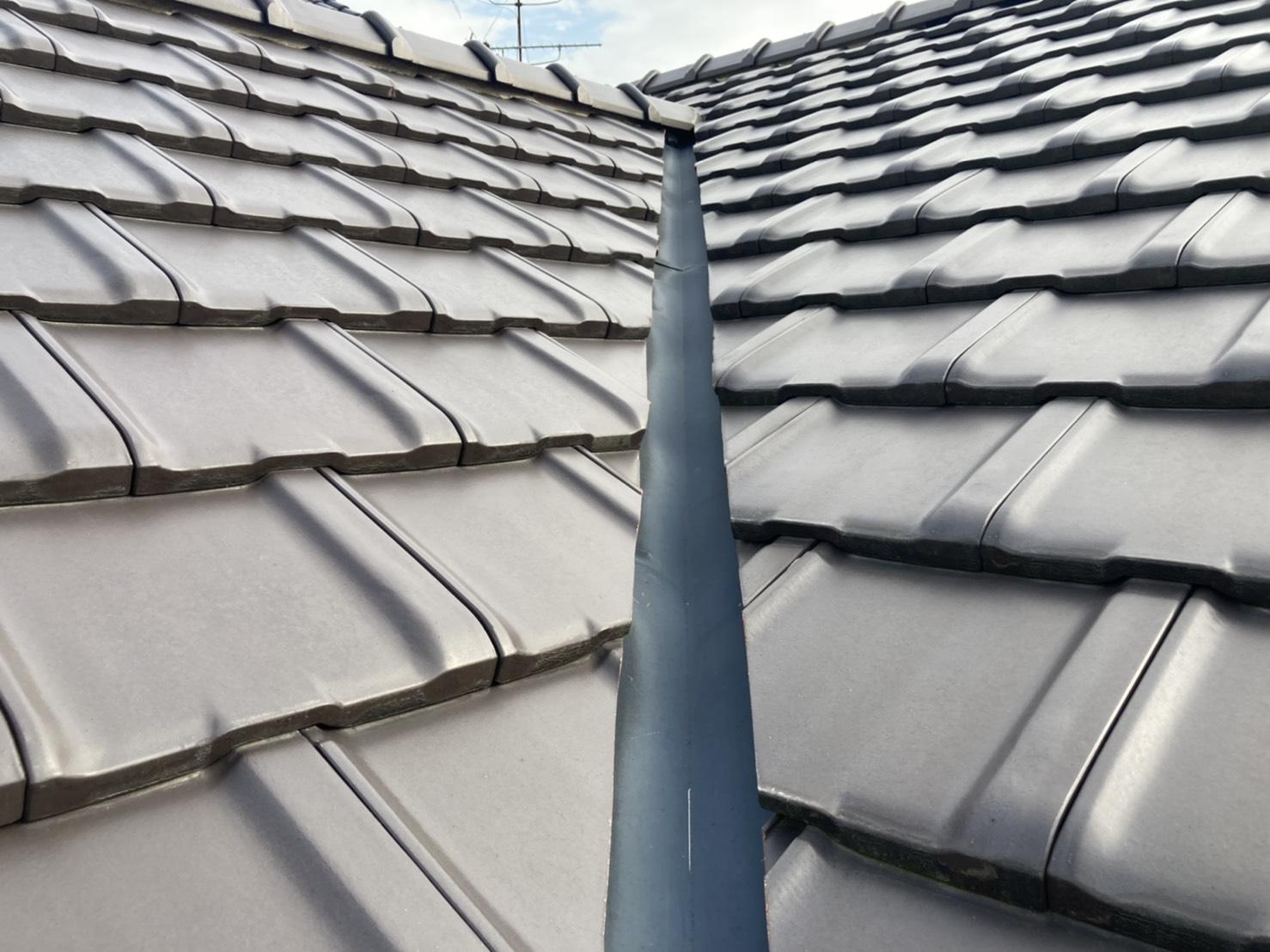 屋根点検 谷板金 ガルバリウム鋼板