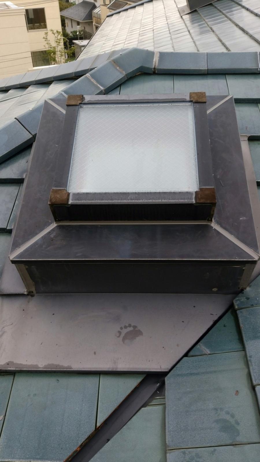 名古屋市名東区で天窓からの雨漏り修理を行いました