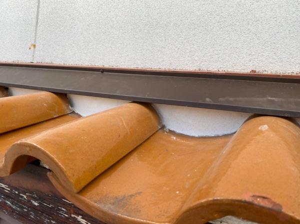 壁際の漆喰 工事後の様子