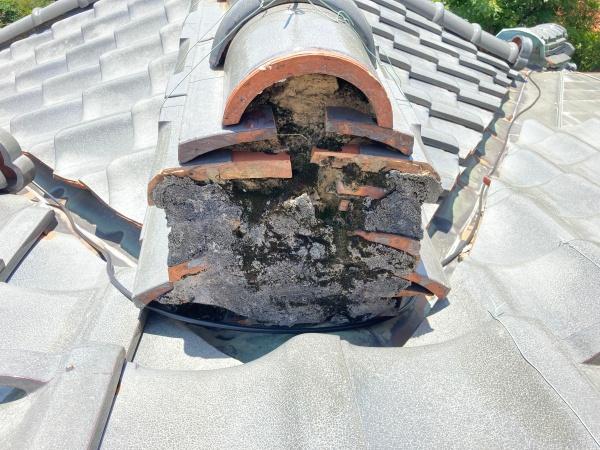 棟の端っこ 漆喰の劣化