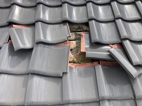 台風被害状況 屋根のめくれ