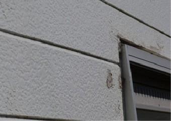 窓枠部分のコーキングの劣化